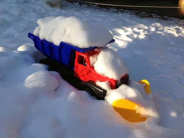 Lumiaura on saanut vähän lunta päälleen. :)