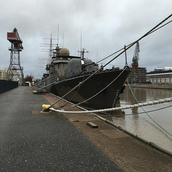 Tommonen tykkivene oli naapurissa. Ja Suomen Joutsen sen perässä.