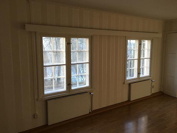 Näille ikkunoille tulee meiän työpöydät. Kiva tehdä töitä luonnonvalossa!